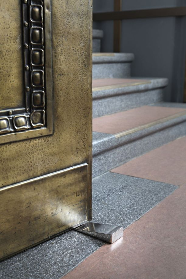 Doorstops for the Daimler Art Collection, 2010. Milled stainless steel. Installation view at Haus Huth, Berlin.