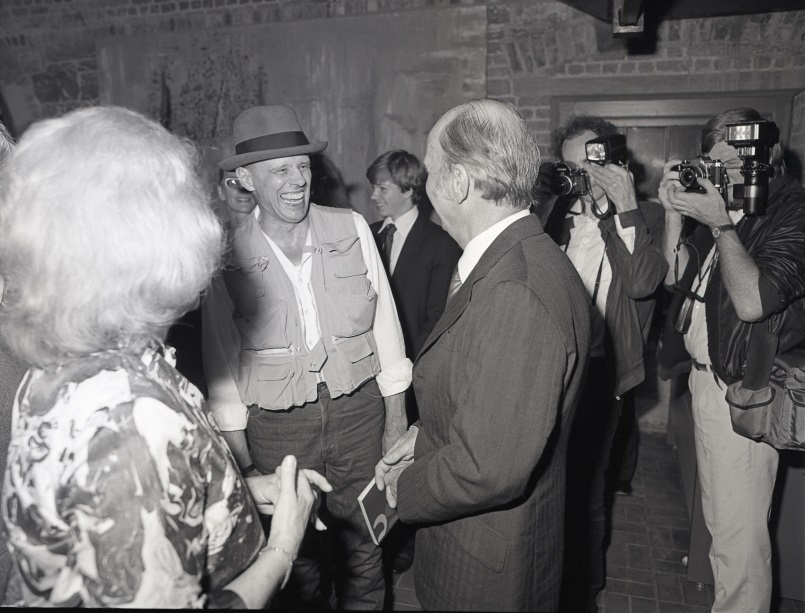 Joseph Beuys and President Hillery Rosc 84